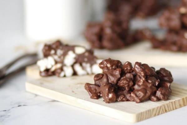 σοκολατένιες-μπουκίτσες